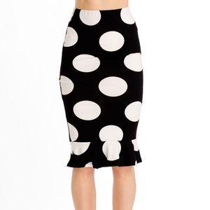Dresses & Skirts - Black & White Polka Dots Ruffled Pencil Skirt Sz M